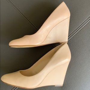 NWOB Banana Republic Light Nude Wedges